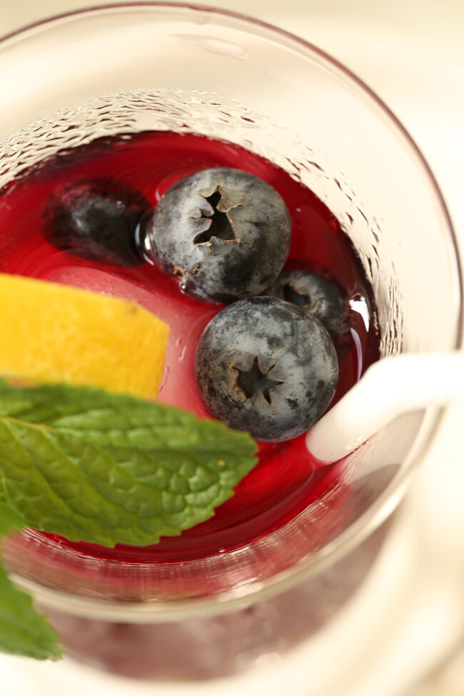 Blueberry Iced Green Tea Recipe — Dishmaps