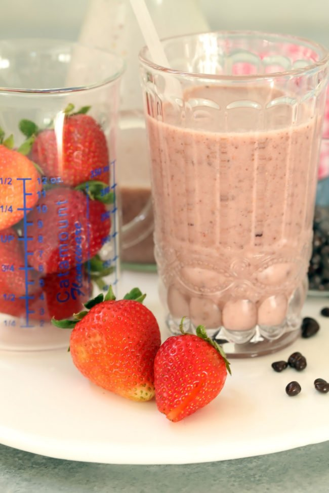 This Vegan Strawberry Cacao Nibs Smoothie is rich and creamy and tastes as decadent as dessert
