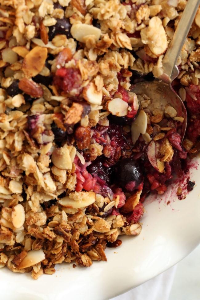 gluten-free-berry-crisp