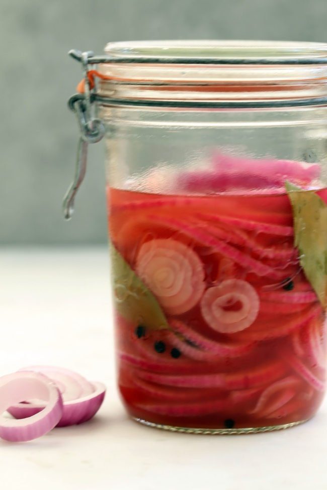 quick-pickled-onions