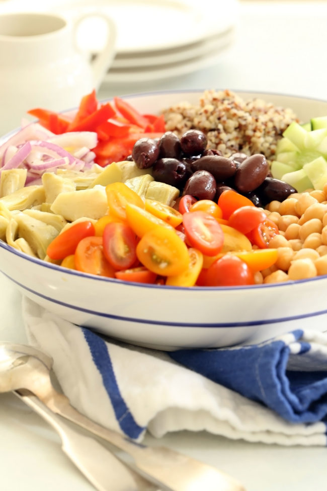 mediterranean-quinoa-salad