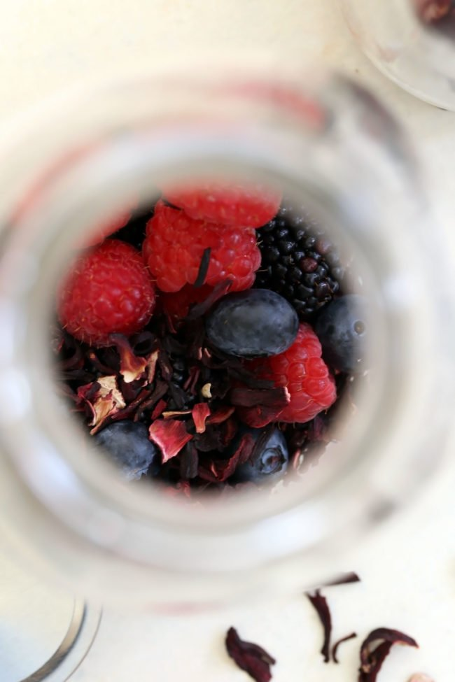 Mixed Berry Hibiscus Sun Tea The Harvest Kitchen