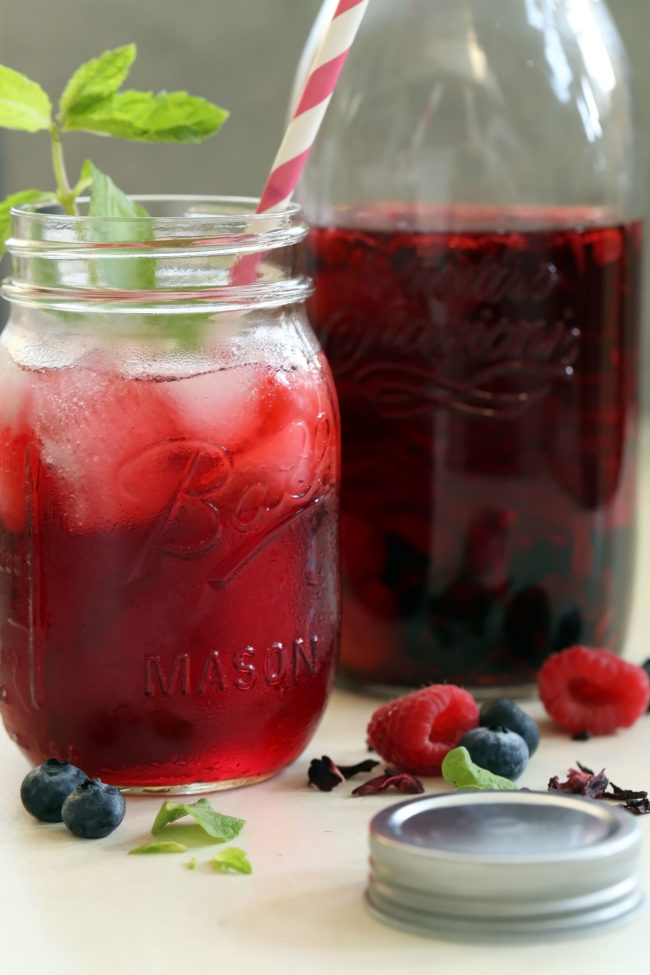Mixed Berry Hibiscus Sun Tea The Harvest Kitchen