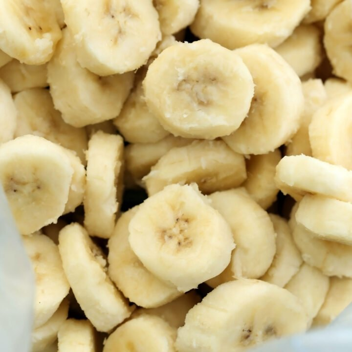Here's a little tip on how to freeze bananas for smoothies and store them in plastic bags in the freezer