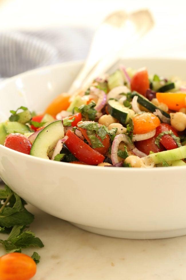 mediterranean-chickpea-and-cucumber-salad