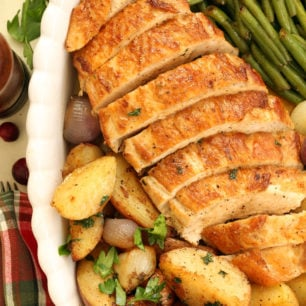 Pan with roast turkey breast and vegetables