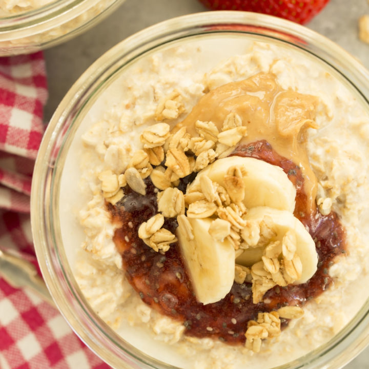 These Peanut Butter & Jelly Overnight Oats are made with oats, almond milk, peanut butter and jelly
