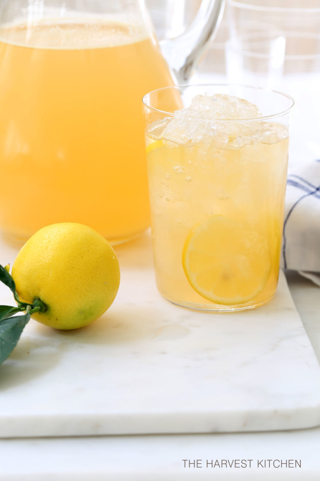 This Iced Green Tea is a delicious brew of fresh chopped apple, ginger, lemon and green tea leaves