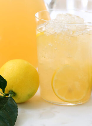 Iced Green Tea with Apple, Lemon and Ginger
