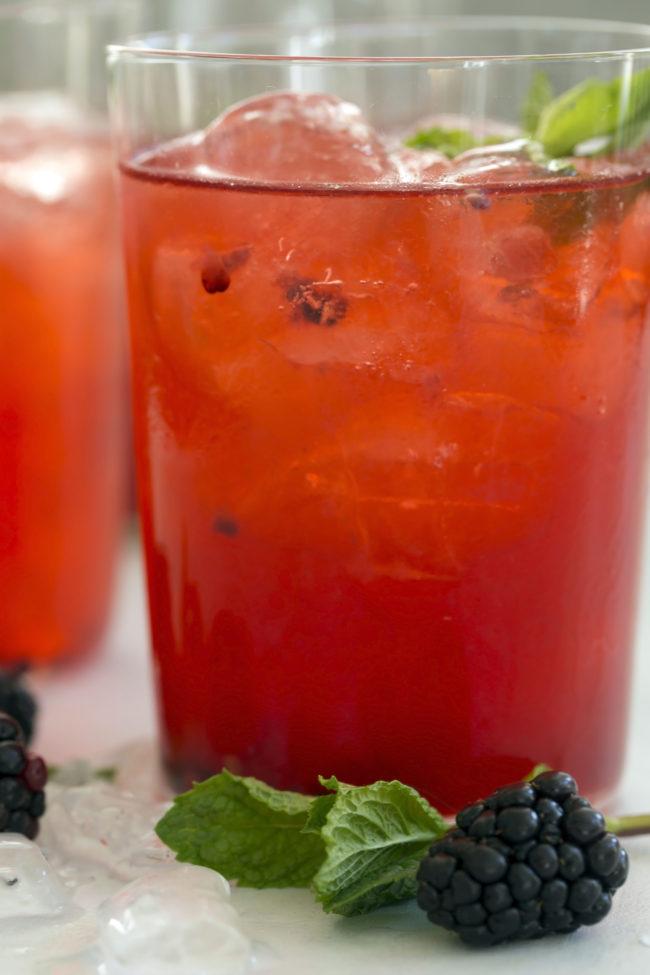 sparkling-blackberry-mint-spritzer