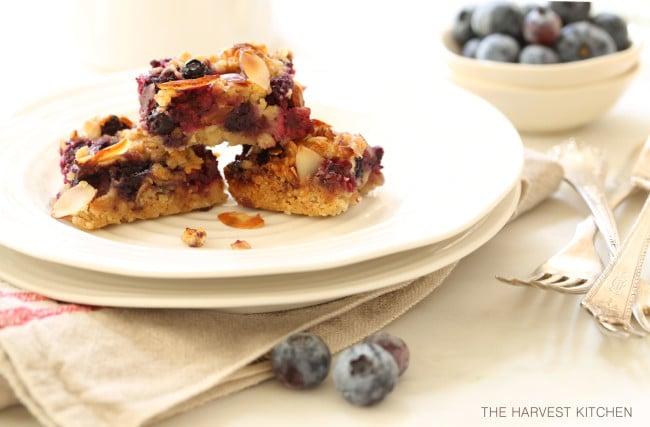 healthy-berry-oatmeal-crumb-bars
