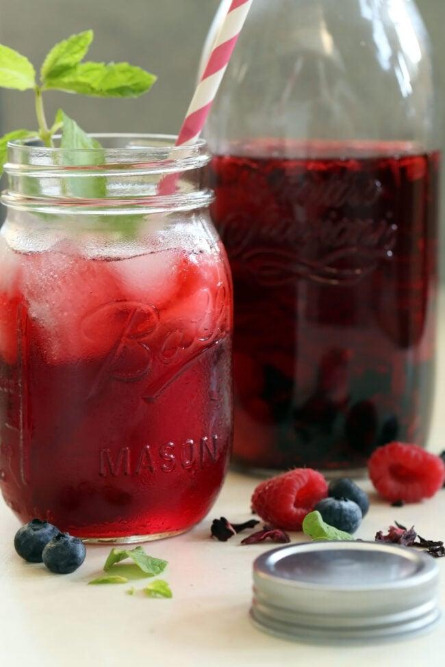 glass filled with hibiscus tea (Agua de Jamaica)