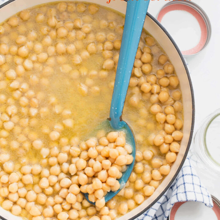 pot of cooked chickpeas