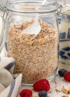 jar of toasted oats