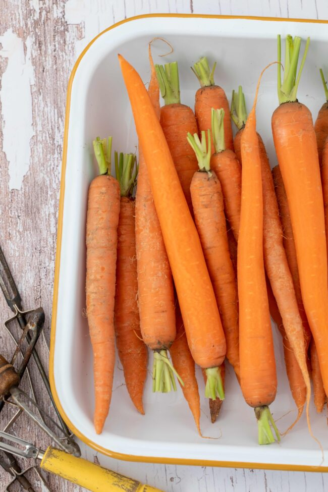 plate of raw carrots